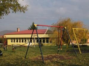 Udvar és játszótér