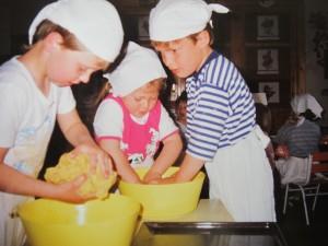 Sütés az anyák napi vendégségre